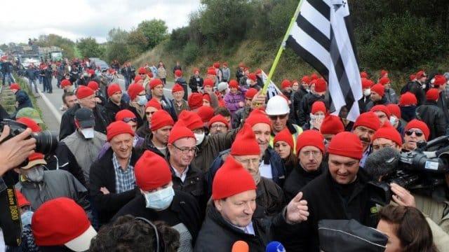 Les bonnets rouges