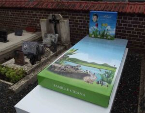 des tombes personnalis es dans les cimeti res bretons the daily breizh. Black Bedroom Furniture Sets. Home Design Ideas