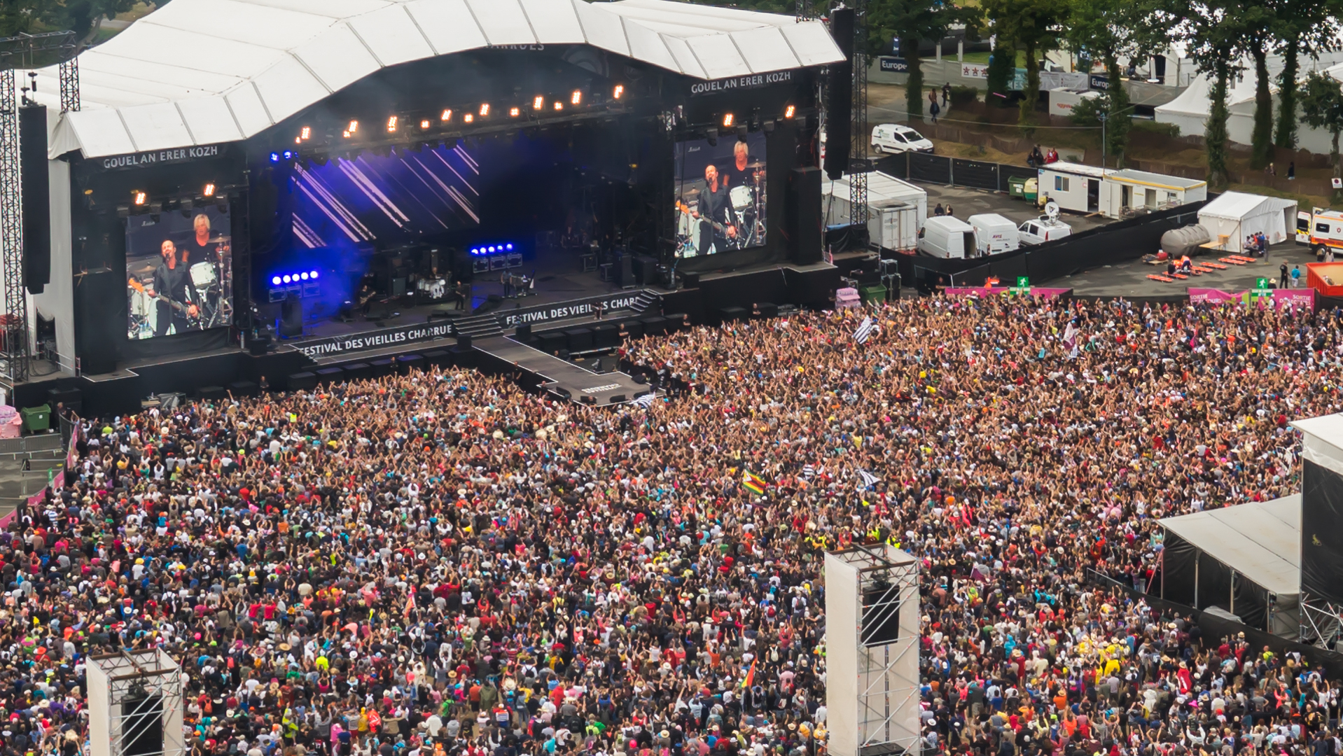 ups drone with Vieilles Charrues 2016 on Vieilles Charrues 2016 besides 23 Pilas Y Baterias as well  as well Happymodel Snapper7 Racing Drone BNF Three Battery 393451 besides Nokia 8 64gb Polished Copper.