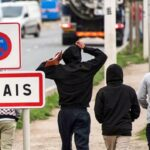 Les premiers migrants de Calais arrivent en Bretagne